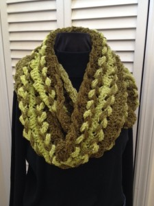 Olive boucle braided loop